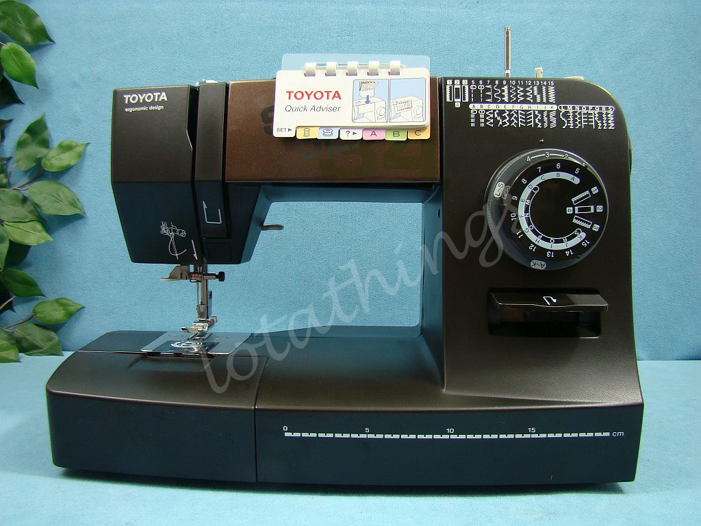 industrial strength toyota super jeans j34 sewing machine. Black Bedroom Furniture Sets. Home Design Ideas